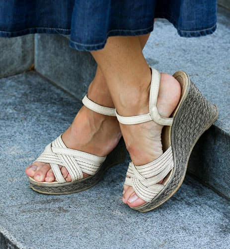 buy-woman-shoes-from-the-walk-shoppe.jpg